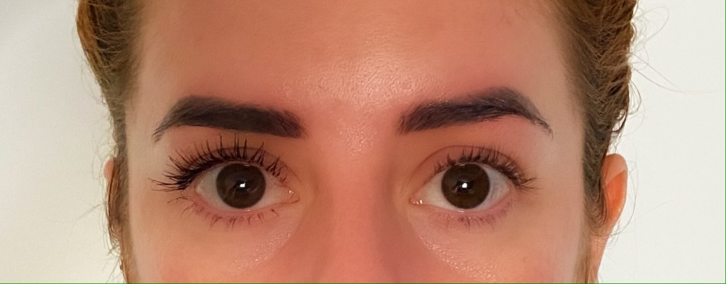 huda beauty legit lashes mascara on my eyelashes